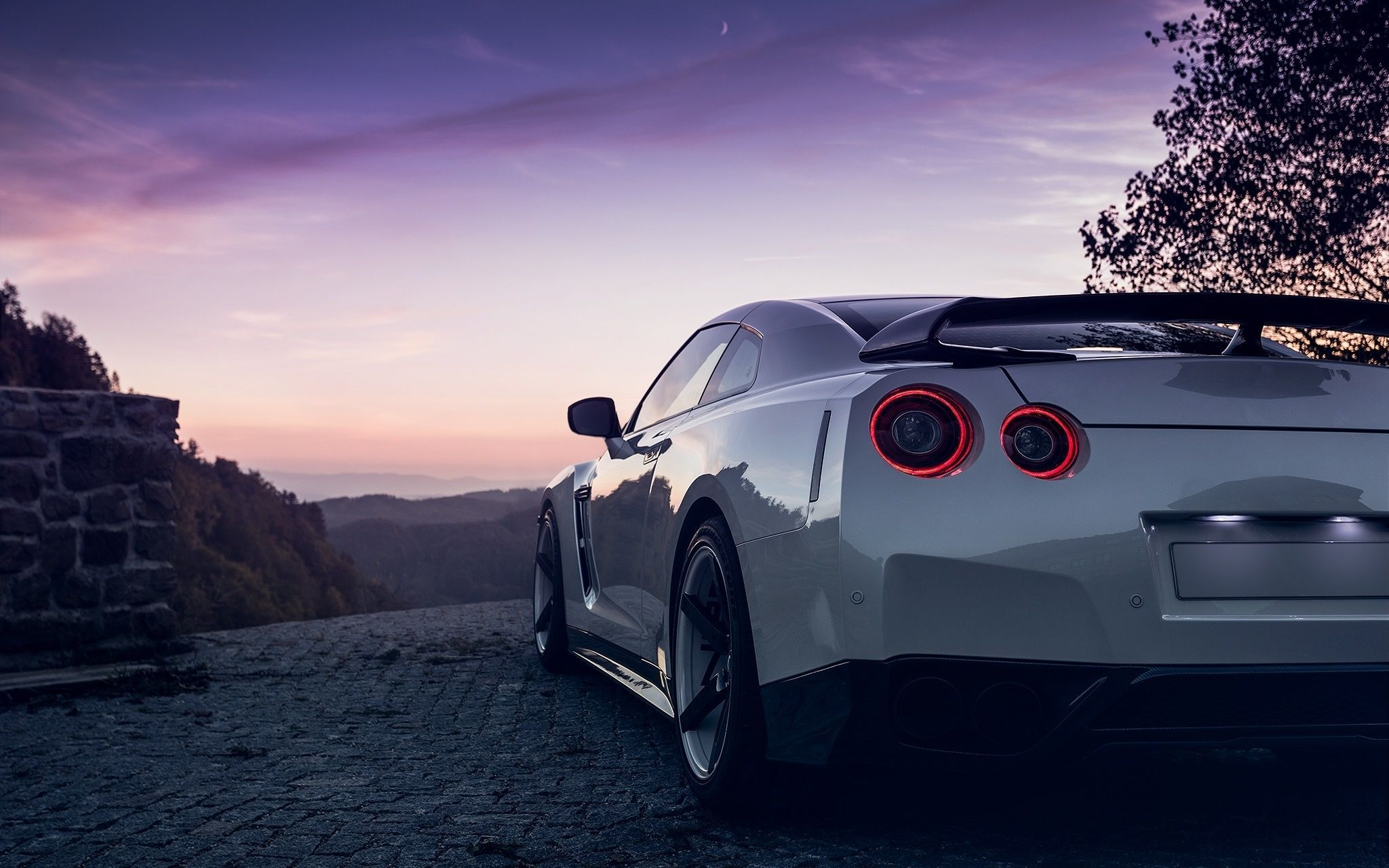 White Gtr Wallpapers Top Free White Gtr Backgrounds Wallpaperaccess