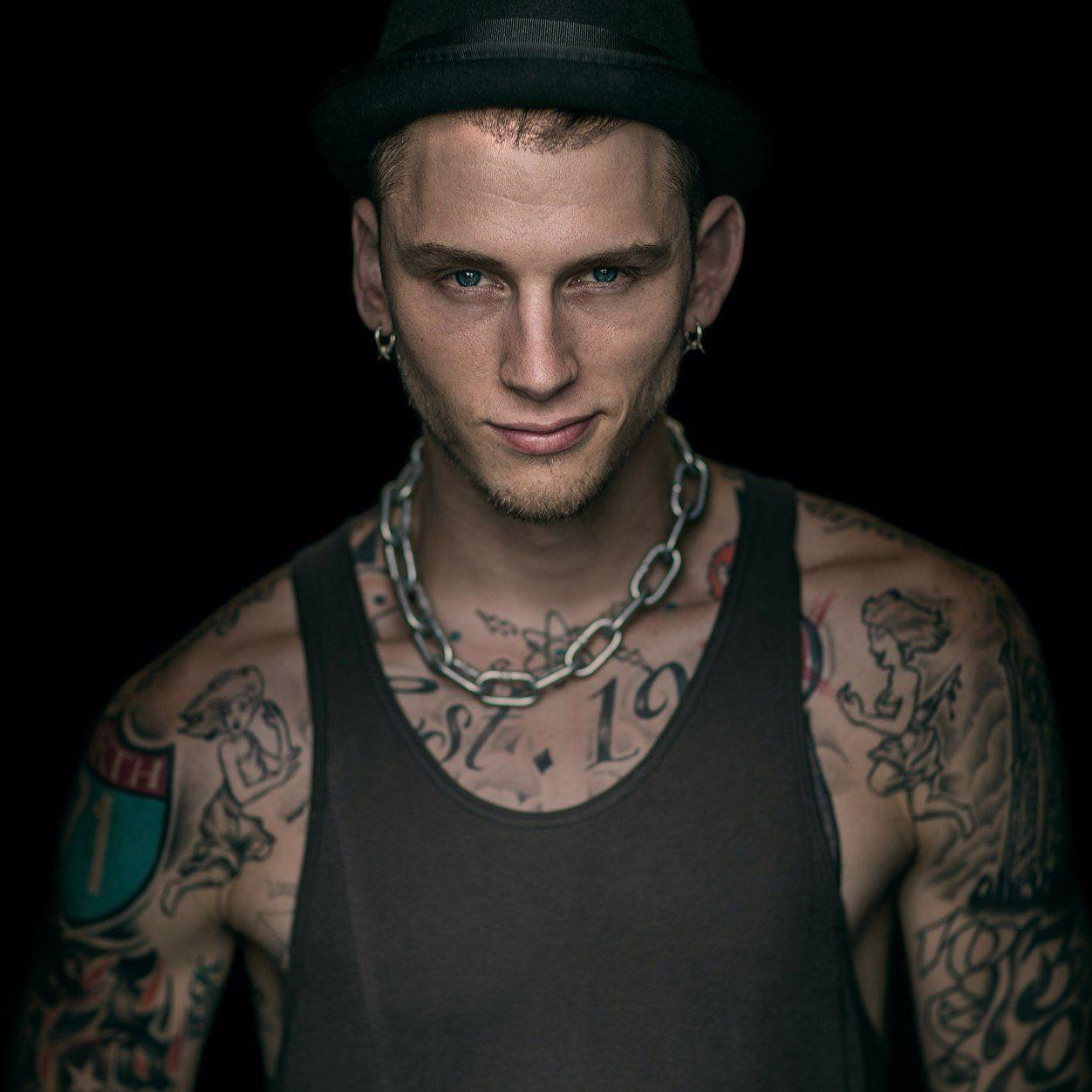 Mgk Phone Wallpapers Top Free Mgk Phone Backgrounds Wallpaperaccess