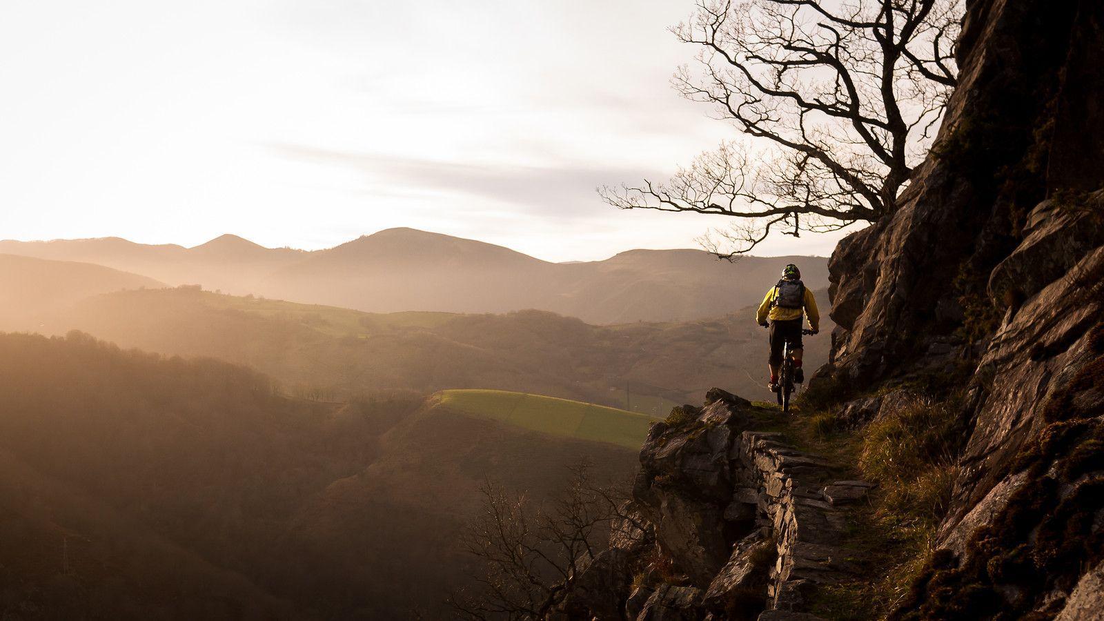 Mountain Bike Trail Wallpapers Top Free Mountain Bike Trail Backgrounds Wallpaperaccess