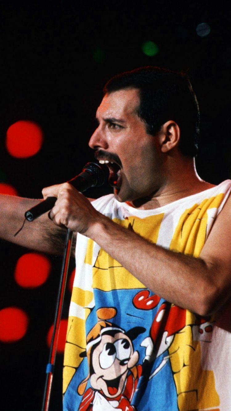 Freddie Mercury Iphone Wallpapers Top Free Freddie Mercury Iphone Backgrounds Wallpaperaccess