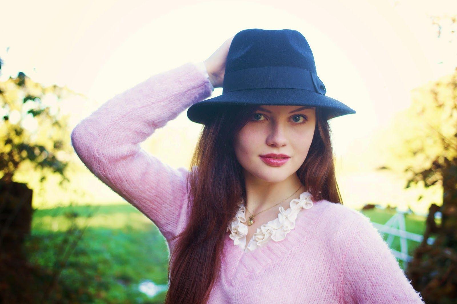 Beautiful Cute Girl Wallpapers Top Free Beautiful Cute Girl Backgrounds Wallpaperaccess