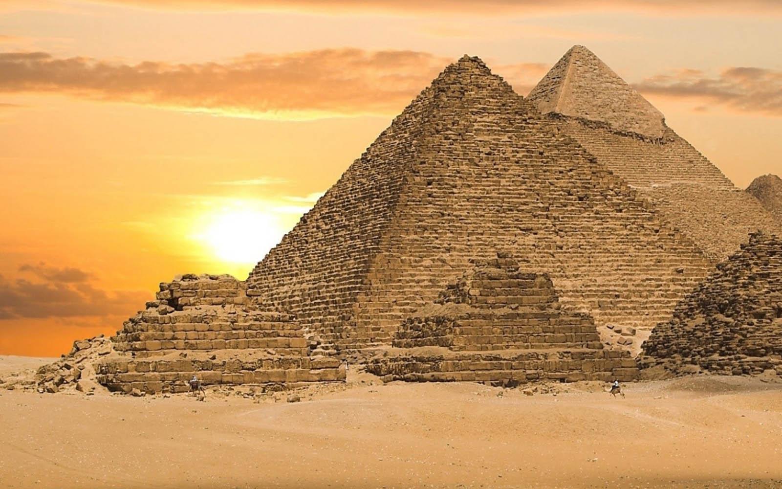 можете что я вижу на картинке пирамида фараон жизни джоан