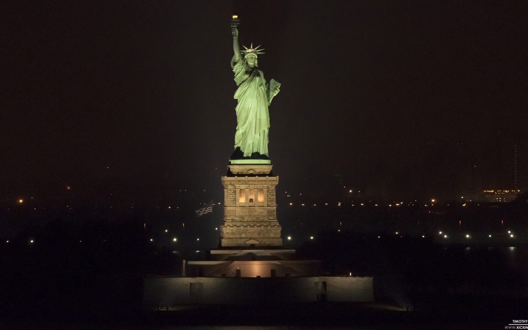 Statue Of Liberty At Night Wallpapers Top Free Statue Of Liberty At Night Backgrounds Wallpaperaccess