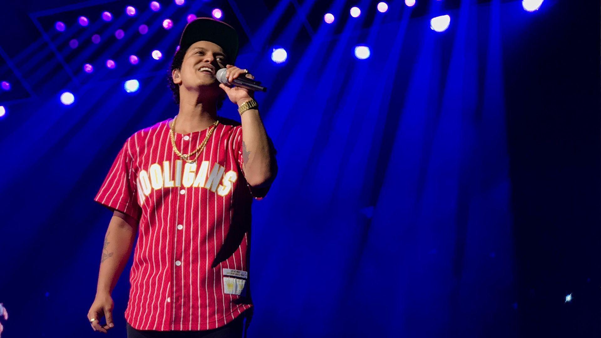 Bruno Mars 24K Magic Wallpapers