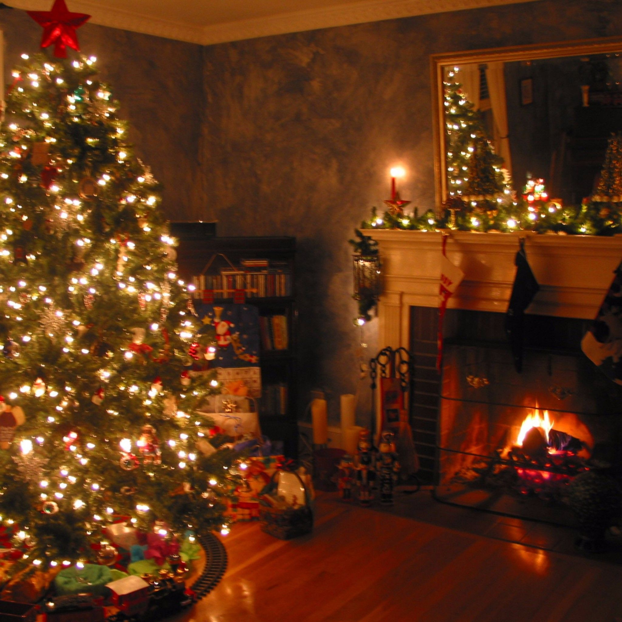 Christmas Home Wallpapers Top Free Christmas Home Backgrounds Wallpaperaccess