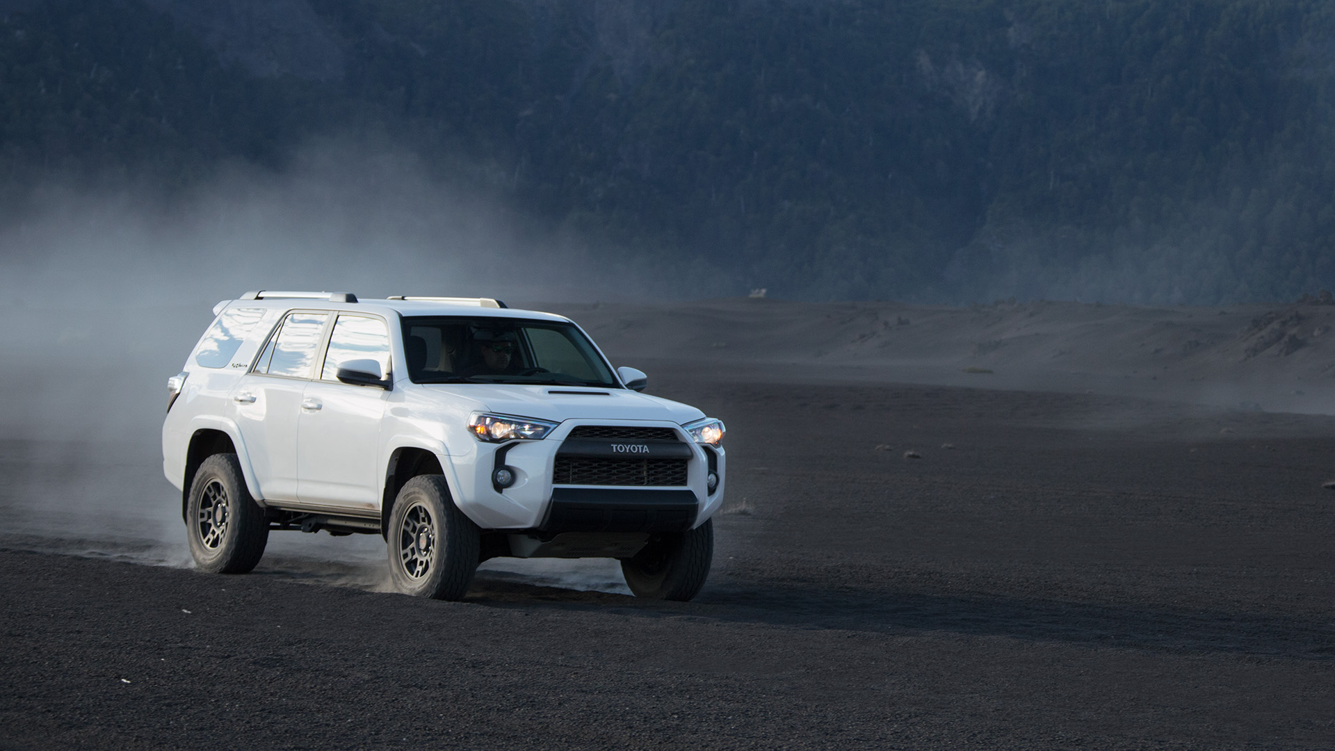 Toyota Trd Wallpapers Top Free Toyota Trd Backgrounds Wallpaperaccess