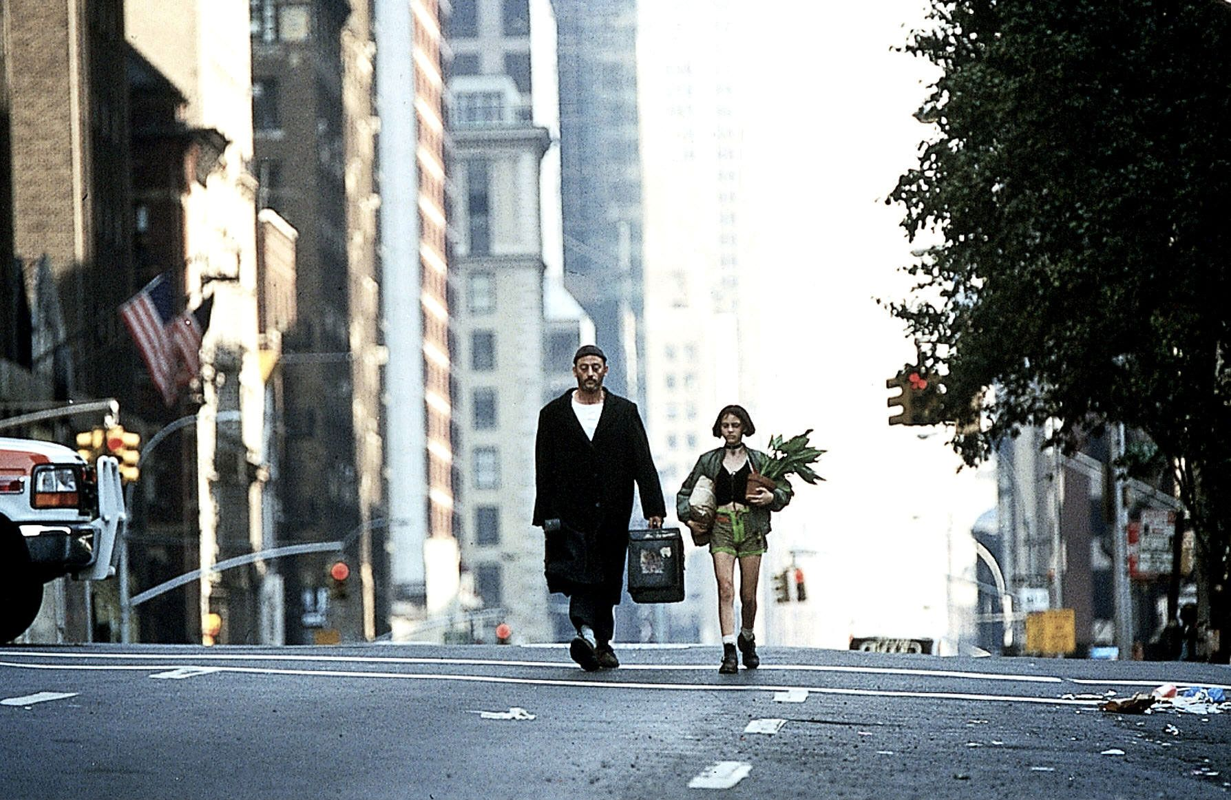 Leon The Professional Wallpapers Top Free Leon The Professional Backgrounds Wallpaperaccess