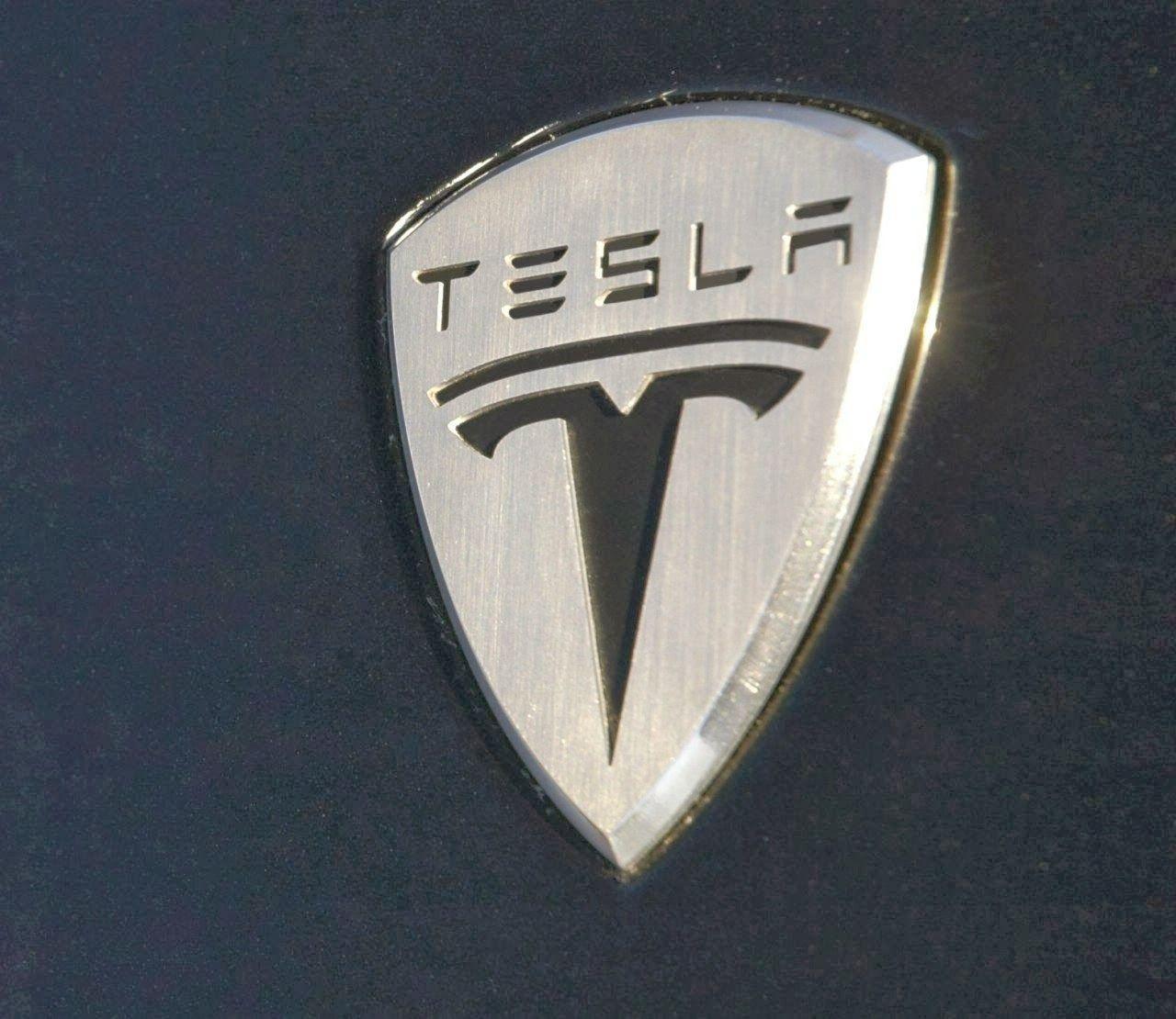 Nikola Tesla Wallpaper Hd: 19 Best Free Tesla Logo HD IPhone Wallpapers