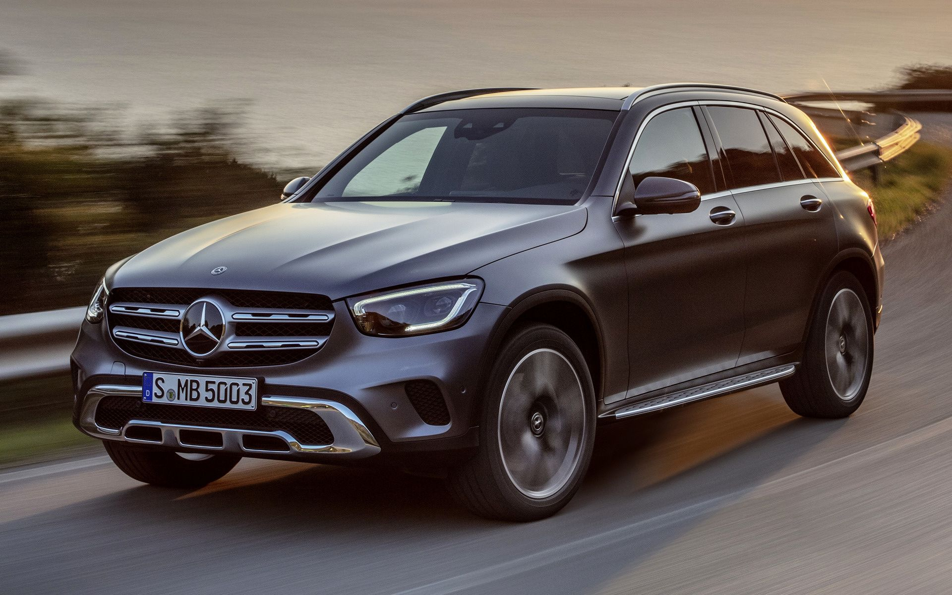 Mercedes Glc Wallpapers Top Free Mercedes Glc Backgrounds Wallpaperaccess