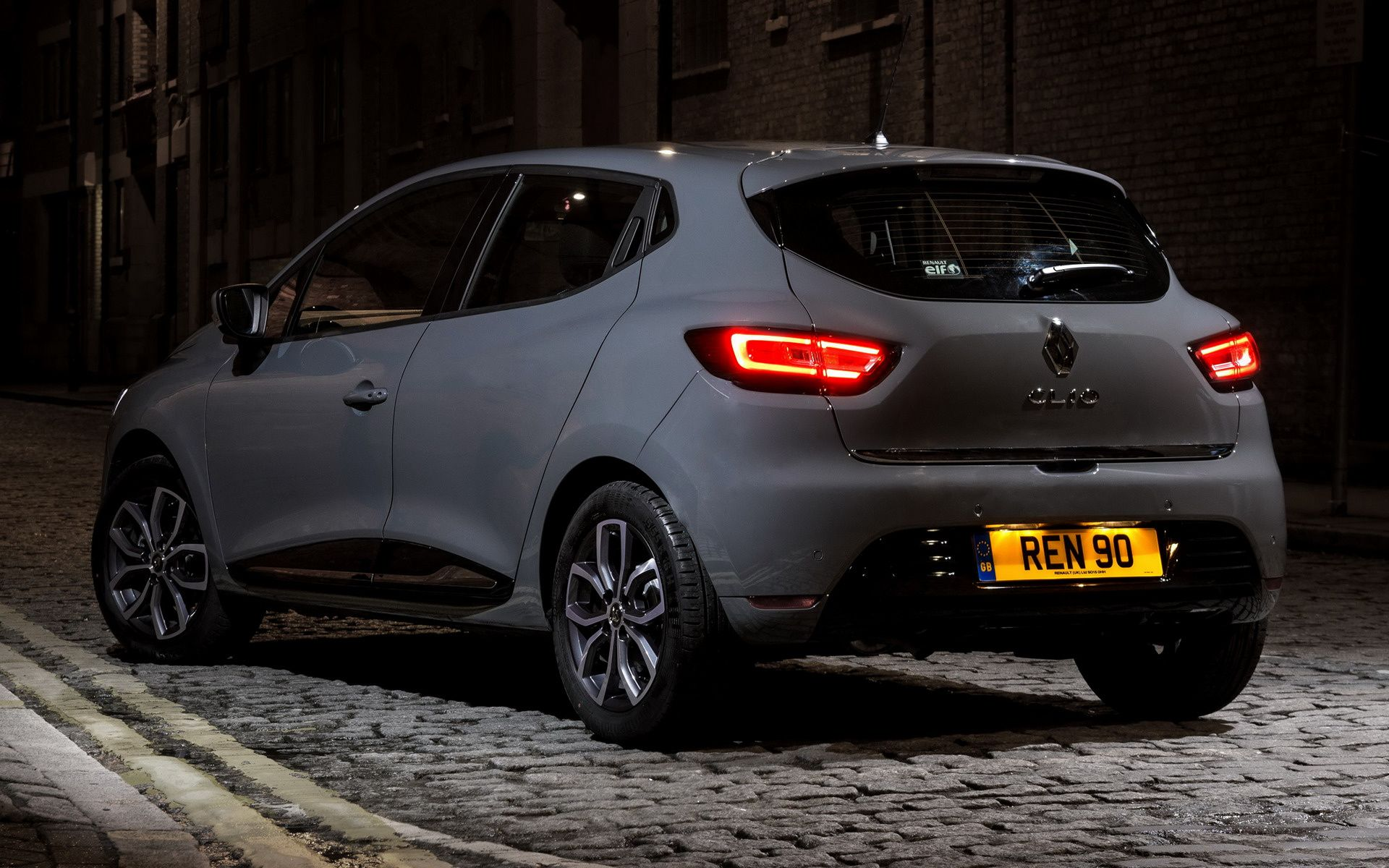 Renault Clio Wallpapers Top Free Renault Clio Backgrounds Wallpaperaccess
