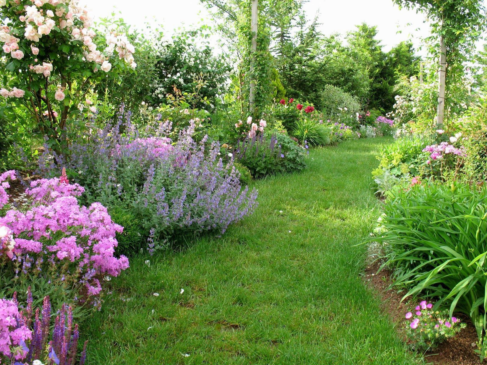 Country Garden Wallpapers Top Free Country Garden Backgrounds Wallpaperaccess