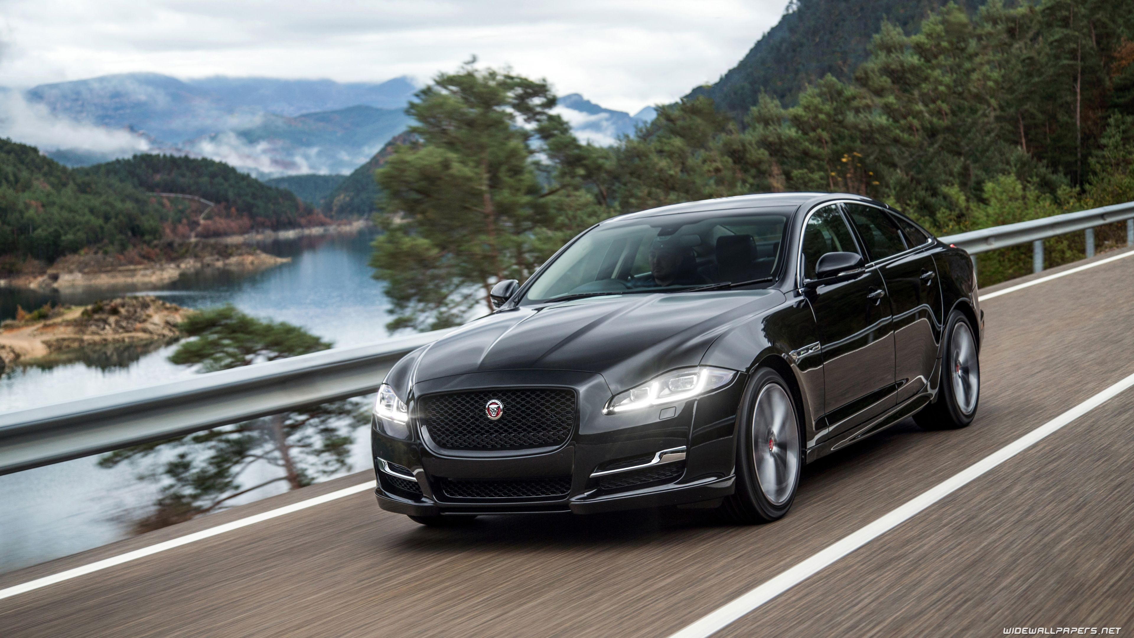 Jaguar Sports Car Wallpapers