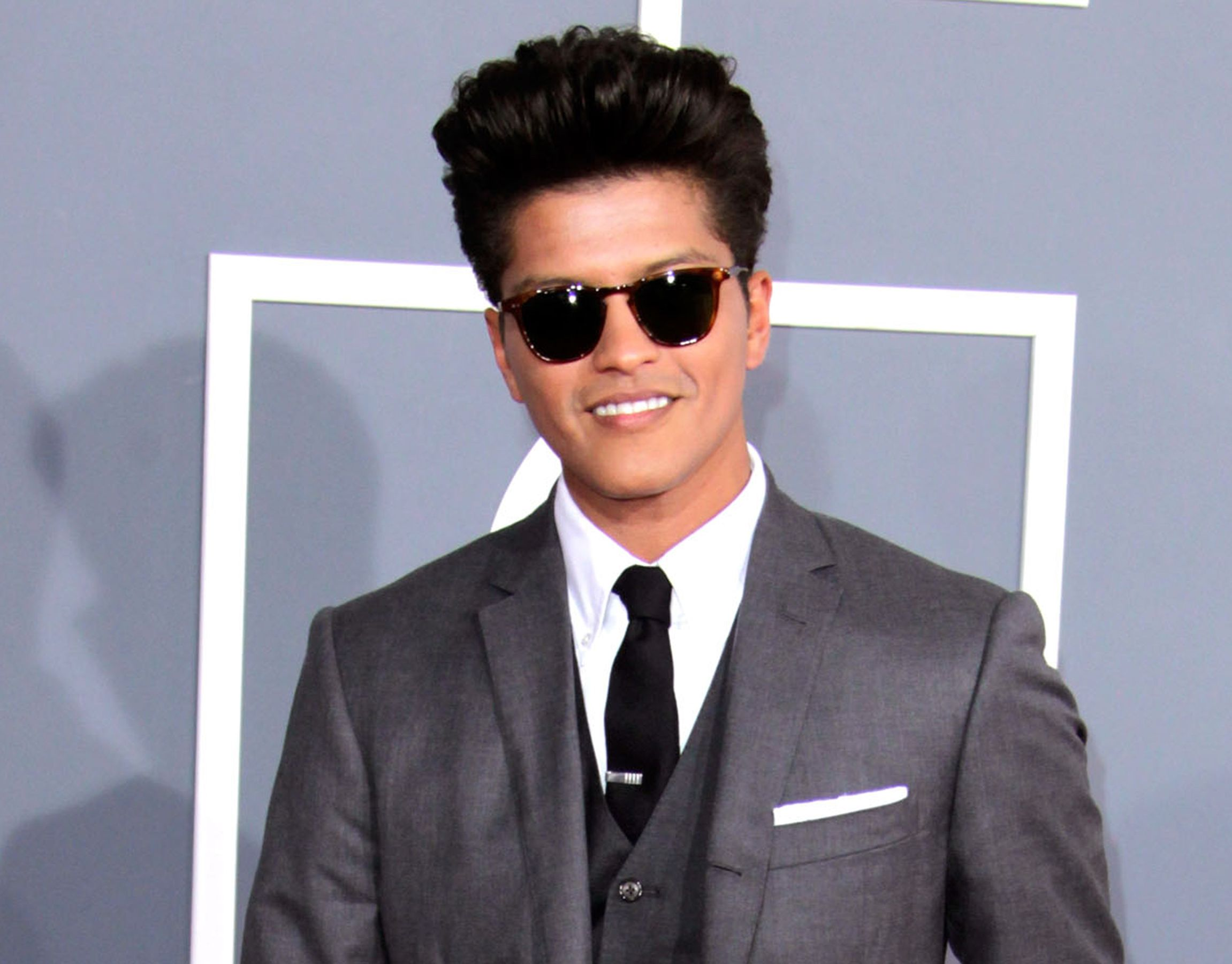 Bruno Mars 2017 Wallpapers