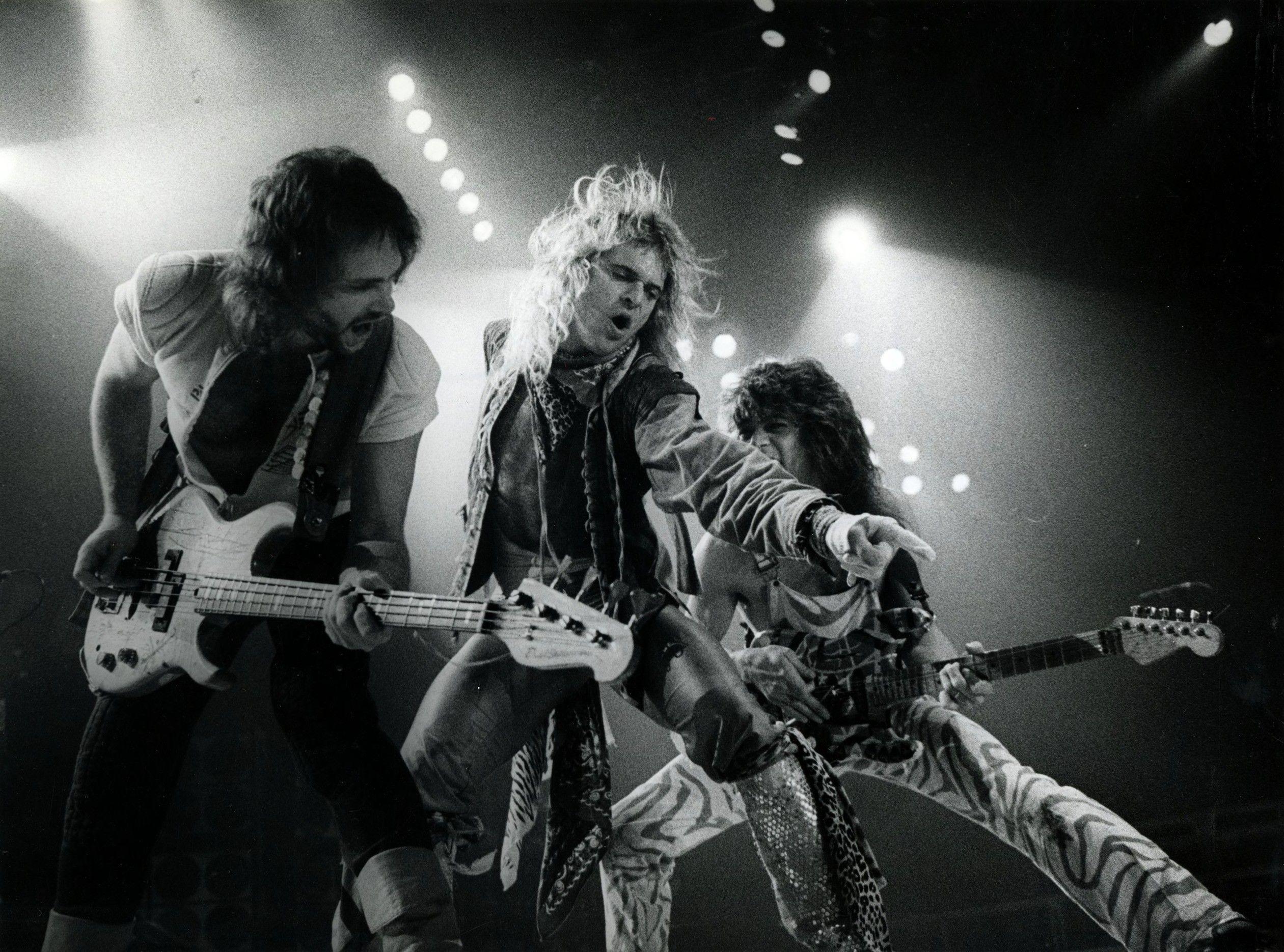 Eddie Van Halen Wallpapers Top Free Eddie Van Halen Backgrounds Wallpaperaccess