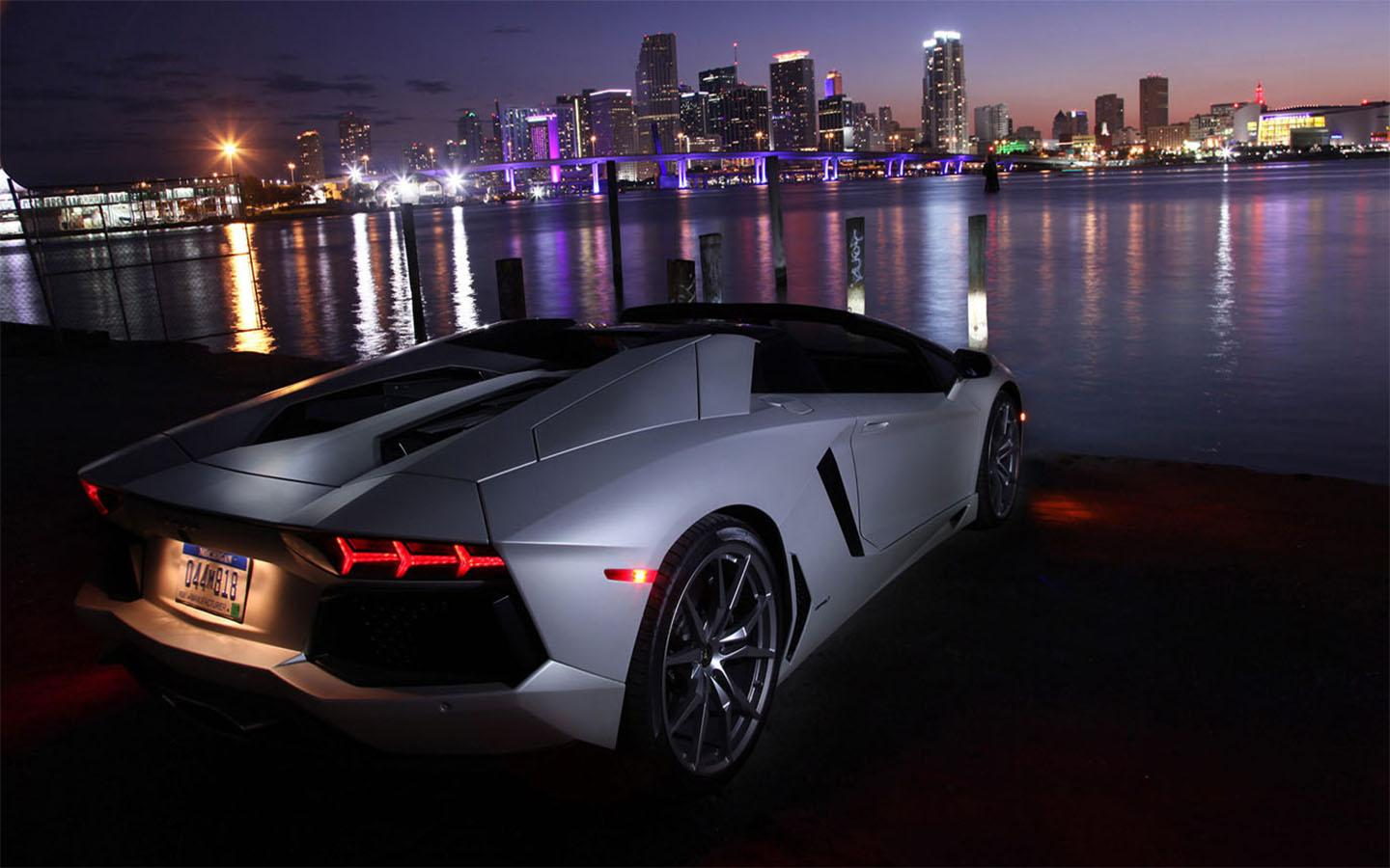 Luxury Car Wallpapers Top Free Luxury Car Backgrounds Wallpaperaccess
