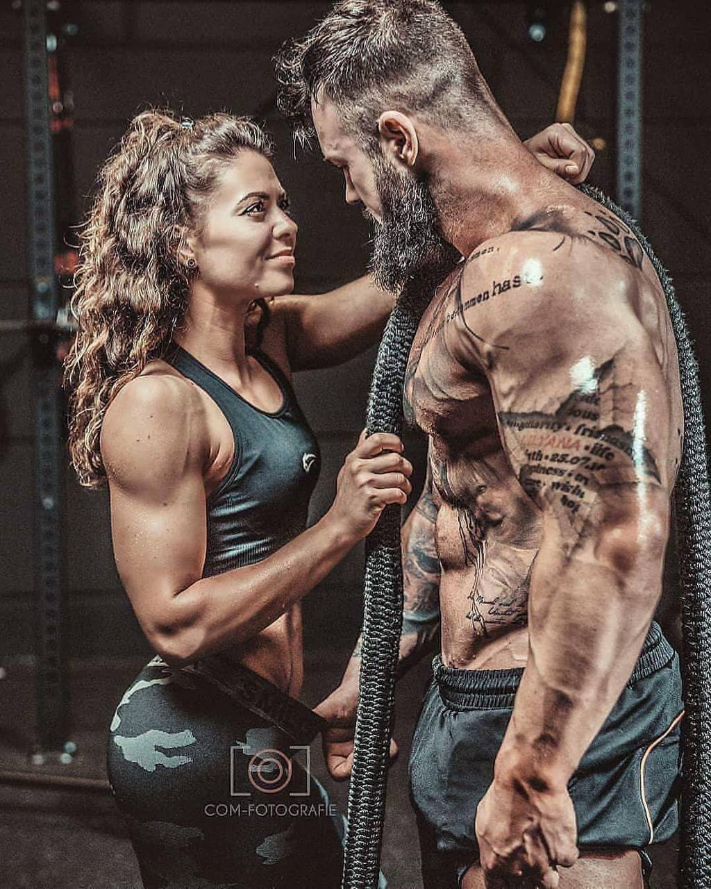 Fitness Couple Wallpapers Top Free Fitness Couple Backgrounds Wallpaperaccess