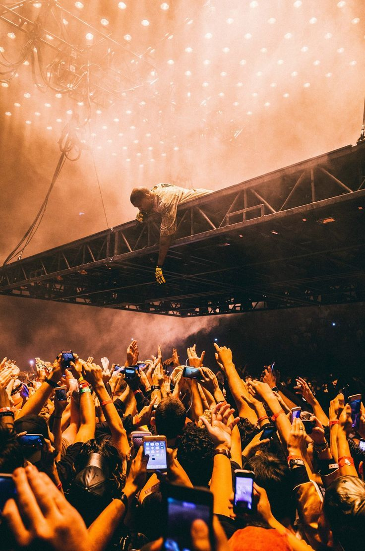 Kanye West Wallpapers Top Free Kanye West Backgrounds Wallpaperaccess
