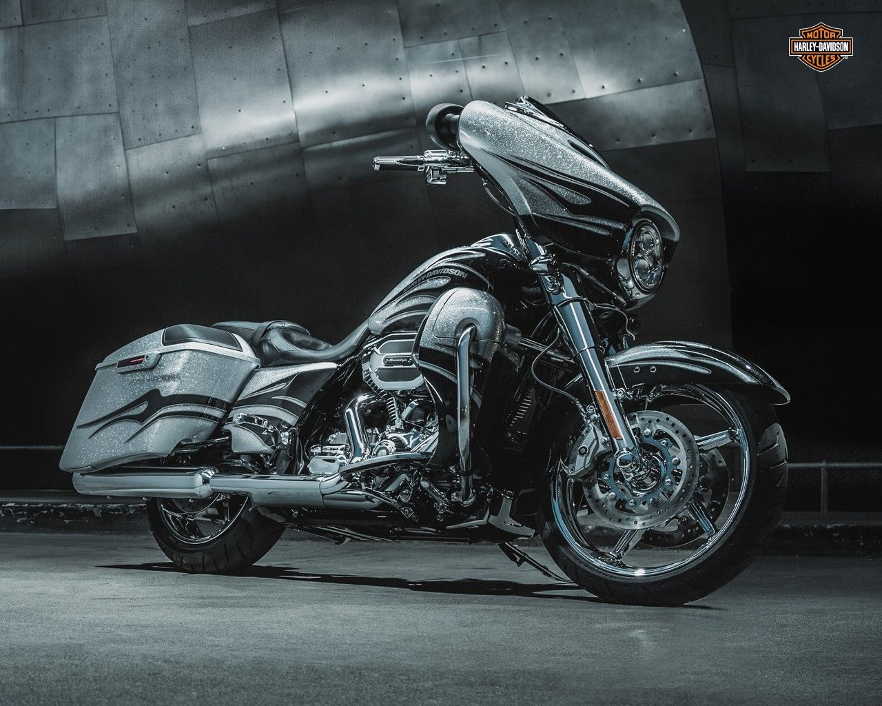 Harley Davidson Bagger Wallpapers Top Free Harley Davidson Bagger Backgrounds Wallpaperaccess