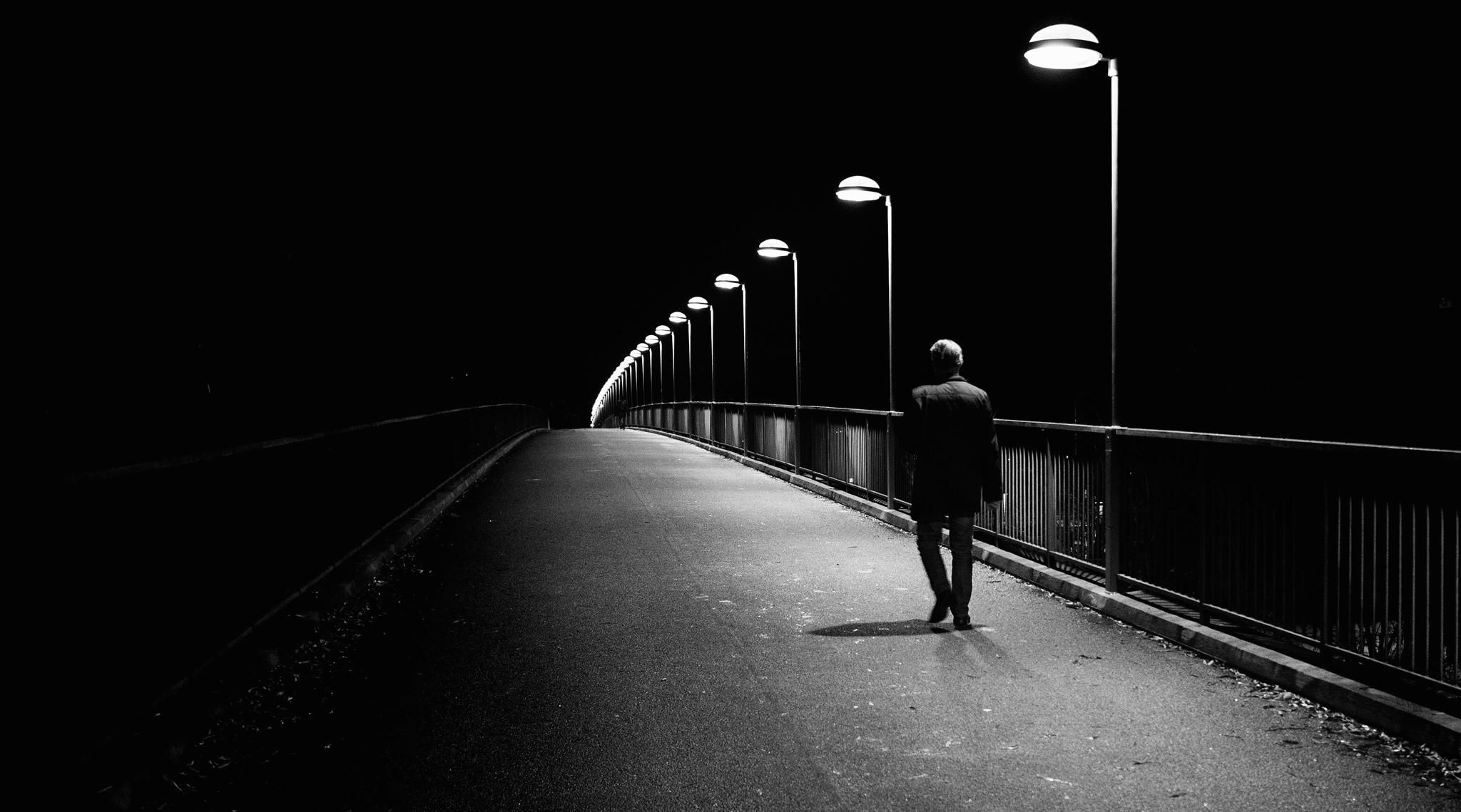 Alone man wallpapers top free alone man backgrounds