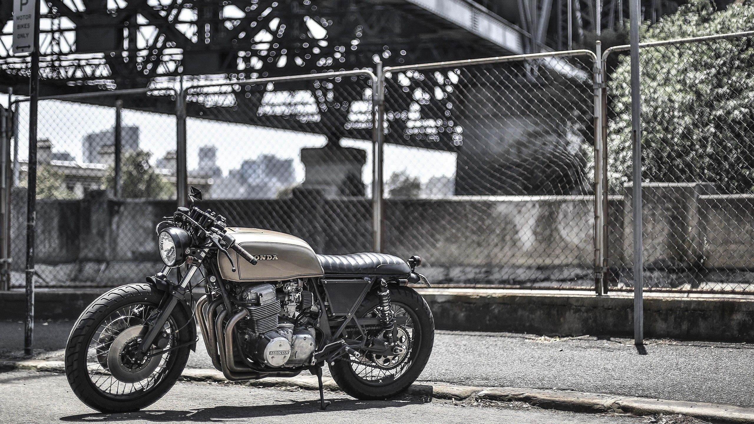 Bobber Wallpapers Top Free Bobber Backgrounds Wallpaperaccess