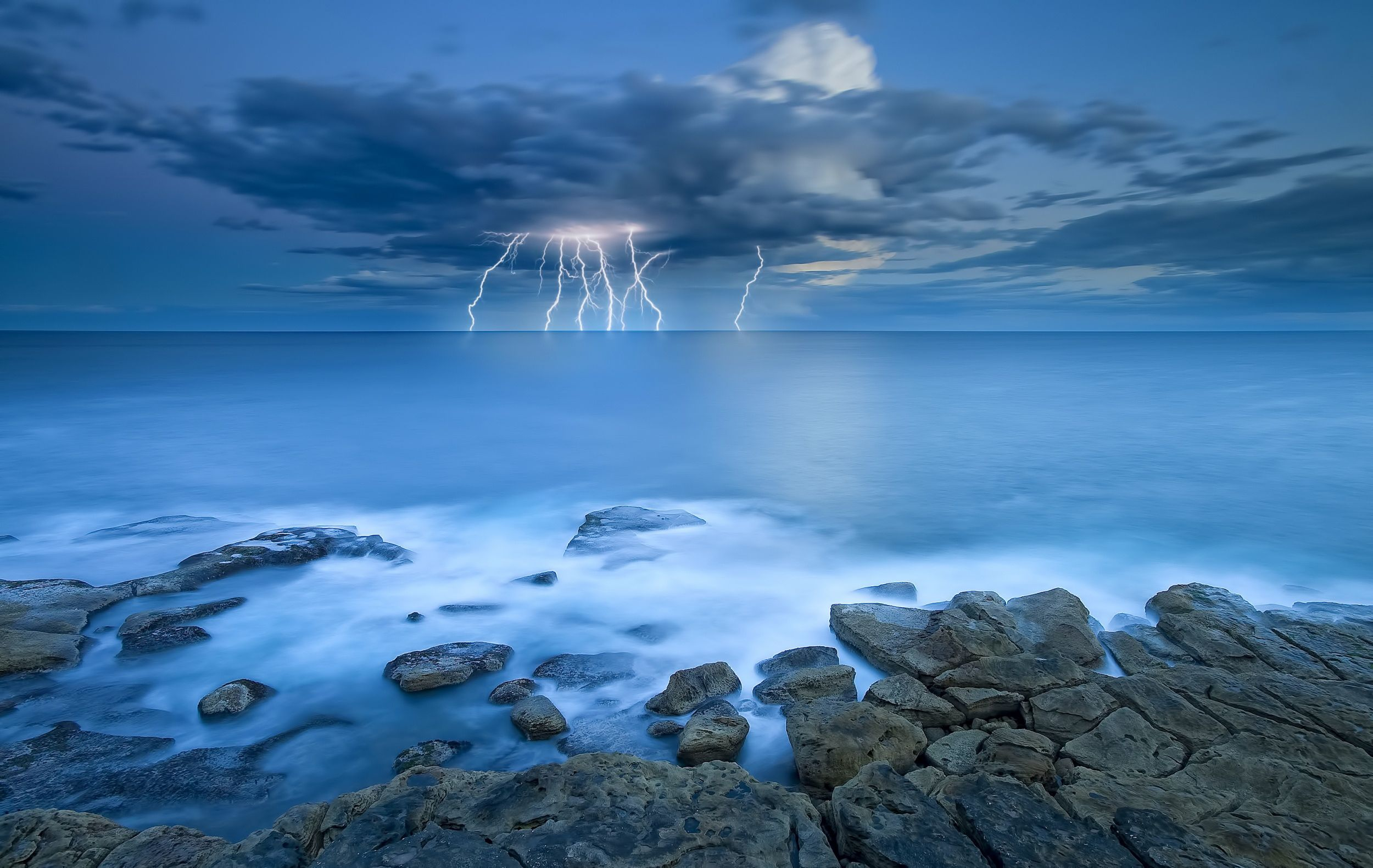 Storm Wallpapers Top Free Storm Backgrounds Wallpaperaccess