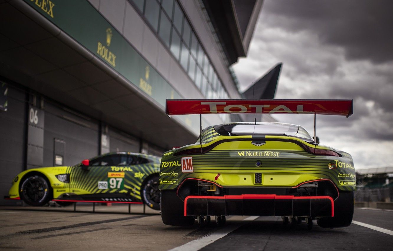 Aston Martin Racing Wallpapers Top Free Aston Martin Racing Backgrounds Wallpaperaccess