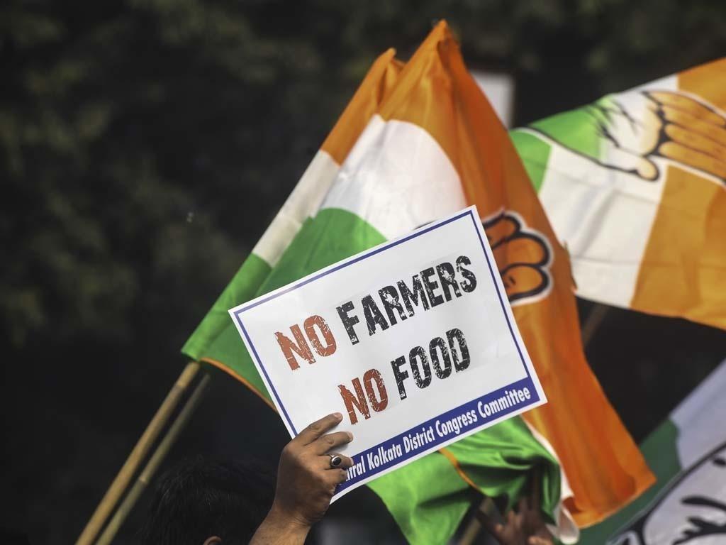 1024x768 Nông dân Ấn Độ chặn đường ray, đường bộ trong hành động quốc gia chống lại luật mới - Thế giới