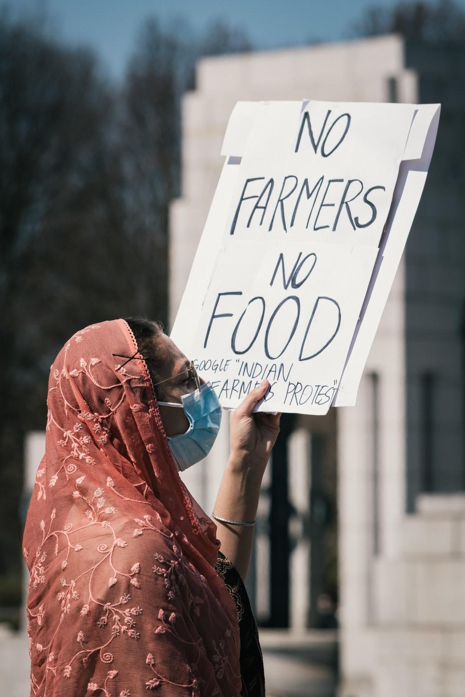 Hình ảnh phản đối nông dân 1000x1500