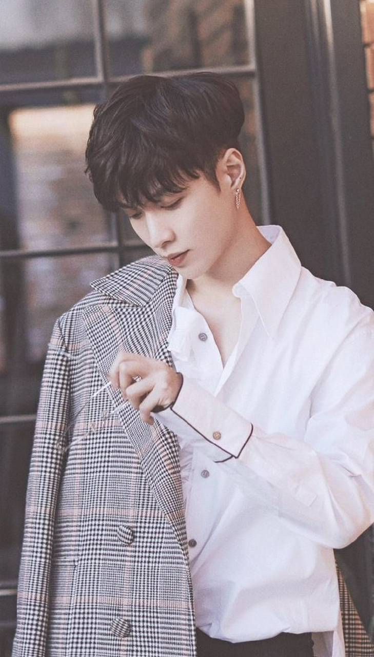 Exo Lay Wallpapers Top Free Exo Lay Backgrounds Wallpaperaccess