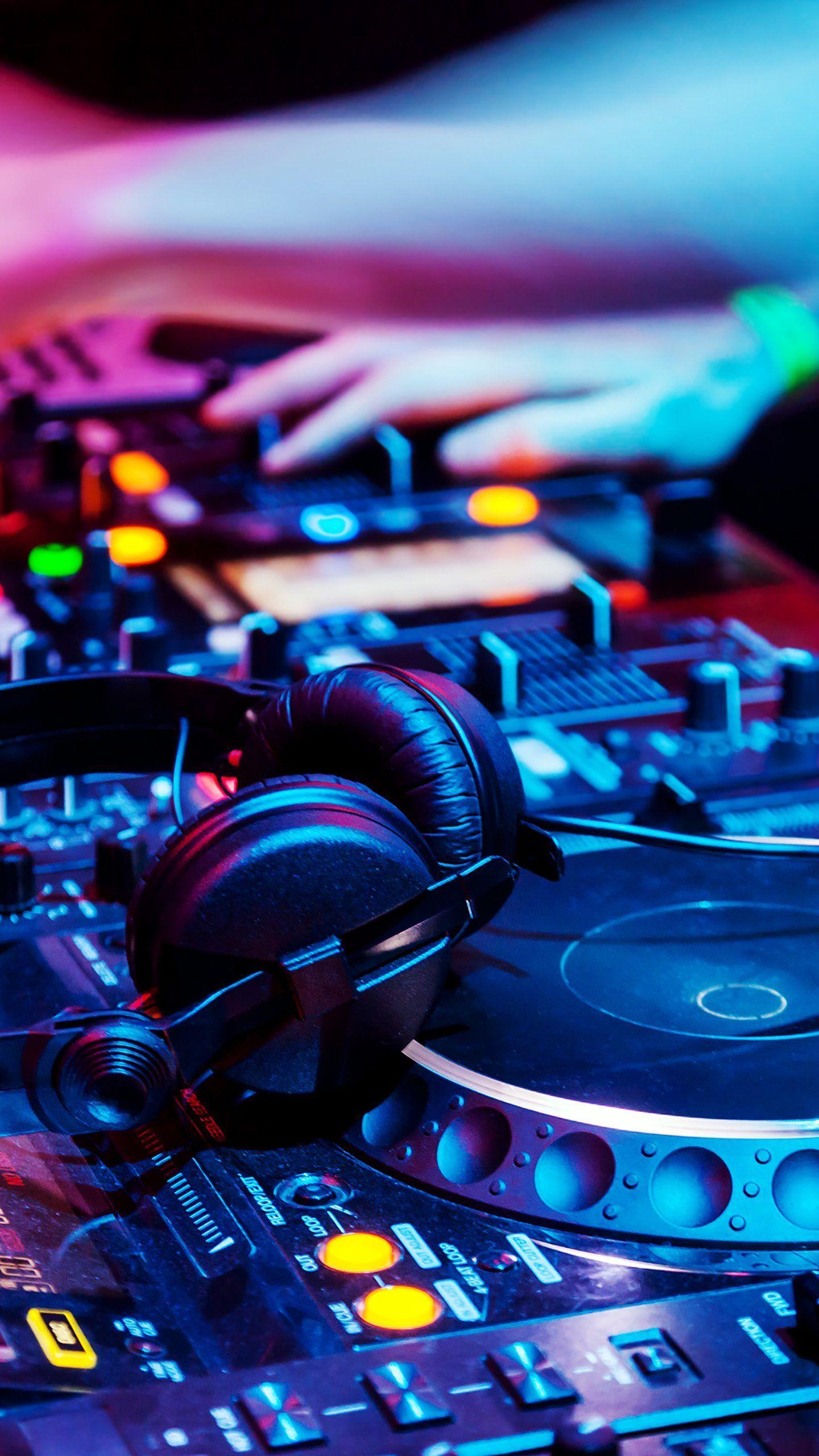 1440x2560 Nhạc DJ Đầy màu sắc Xanh Tím Đỏ Hình nền 4K