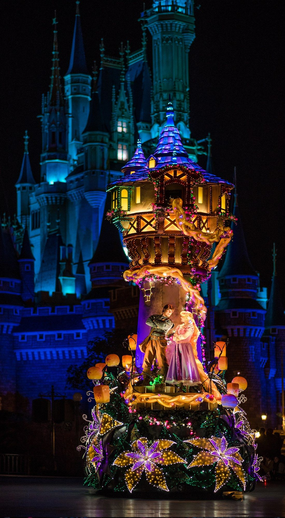Disney Christmas Iphone Wallpapers Top Free Disney Christmas Iphone Backgrounds Wallpaperaccess