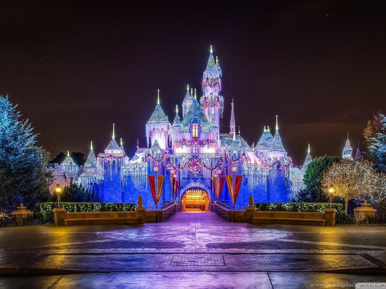 Disneyland Christmas Wallpapers Top Free Disneyland Christmas Backgrounds Wallpaperaccess
