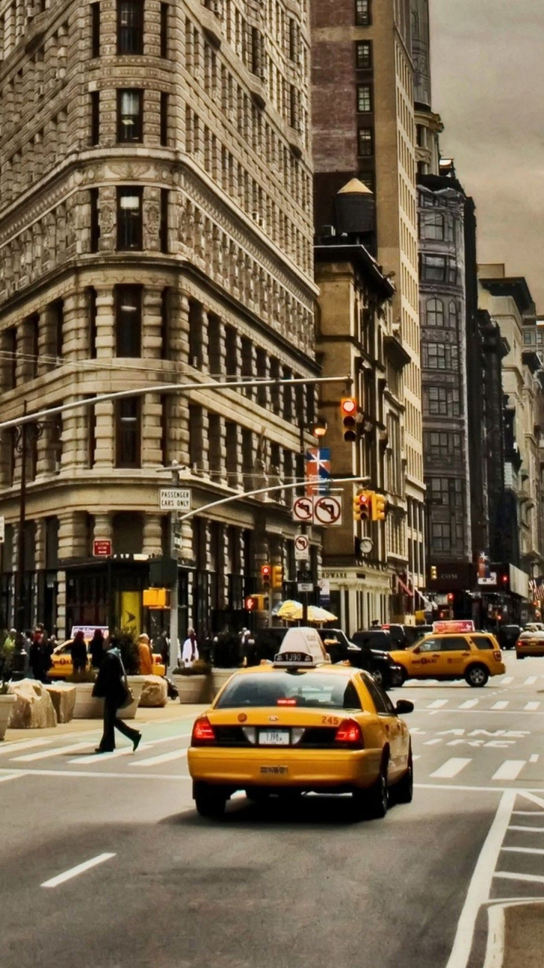 New York Iphone Wallpapers Top Free New York Iphone Backgrounds Wallpaperaccess