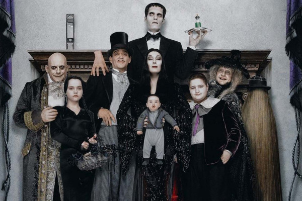 The Addams Family Wallpaper