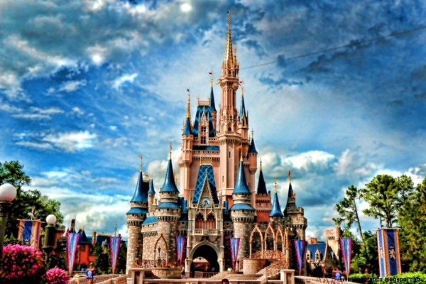 Disney Wallpapers Top Free Disney Backgrounds Wallpaperaccess